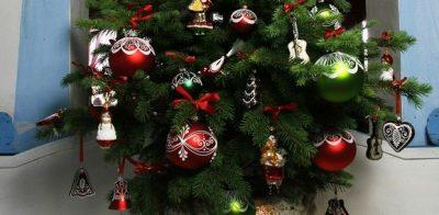 tradiční styl vánočních dekorací